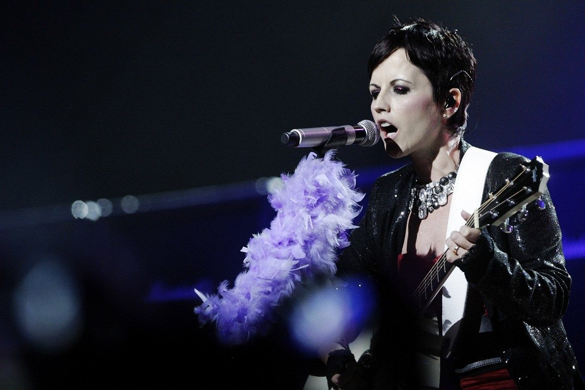 Dolores O'Riordan (Medium)