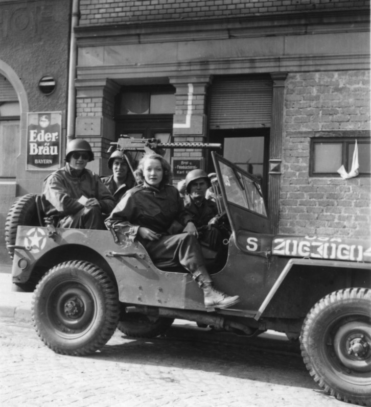 dietrich-in-a-jeep-behind-enemy-lines-winter-of-1944-45