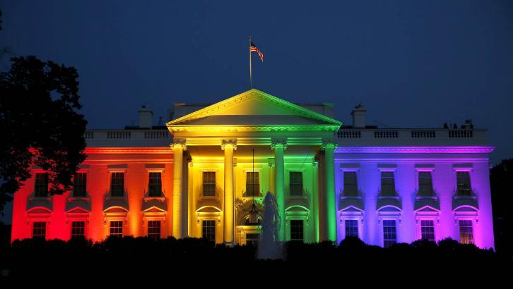 top-5-razloga-zašto-biti-gej-nije-nimalo-okej-bijela-kuća-dugine-boje