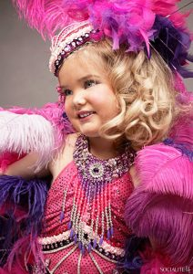 various-pageant-photos-eden-wood-toddlers-tiaras-tlc-0714201108-682x963