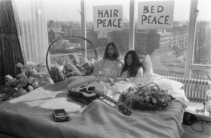 bed-in-for-peace-amsterdam-lennon-yoko