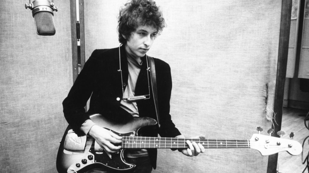 UNSPECIFIED - CIRCA 1970: Photo of Bob Dylan Photo by Michael Ochs Archives/Getty Images