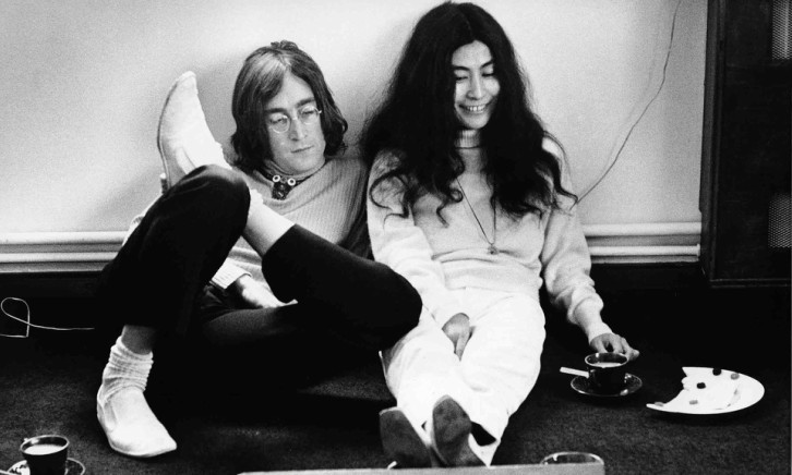john-lennon-and-yoko-ono-in-1968-photograph-jane-bown