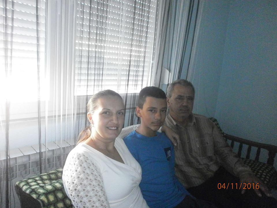 dejan-sa-roditeljima