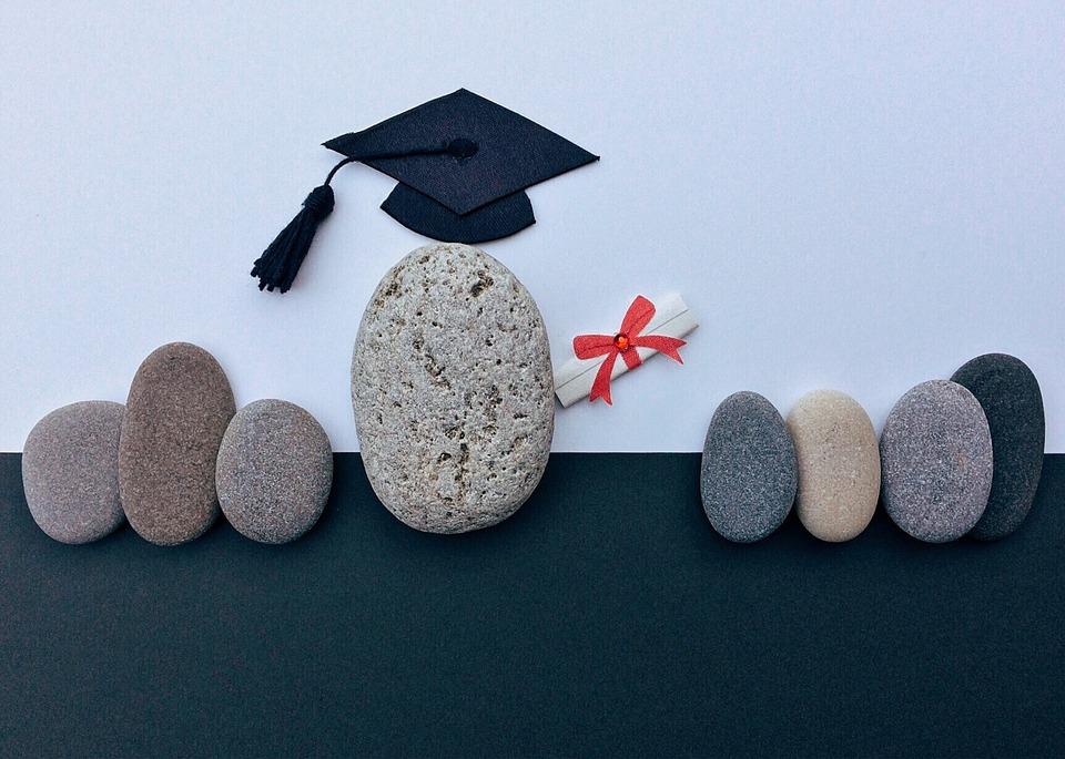 graduation-1449488_960_720