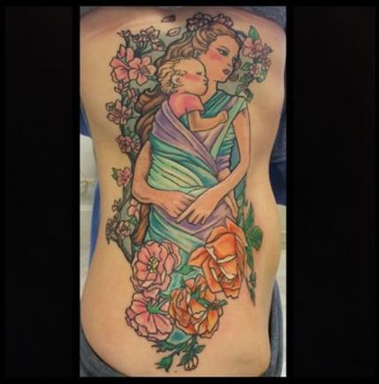 Nevjerovatne Tetovaže Koje Pokazuju Snažnu Vezu Između Majke