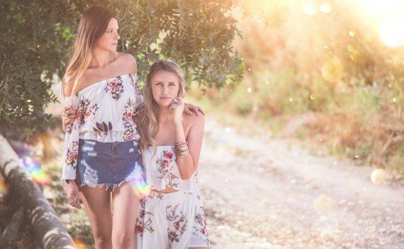 dve-sestre-jedna-uz-drugu